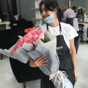 счастливые получатели букета 51 роза джумилия