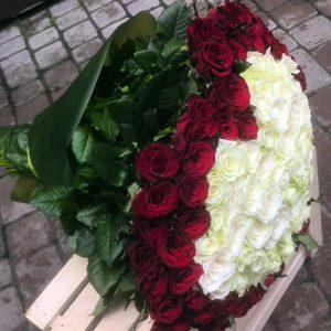 букет в форме сердца 101 роза фото